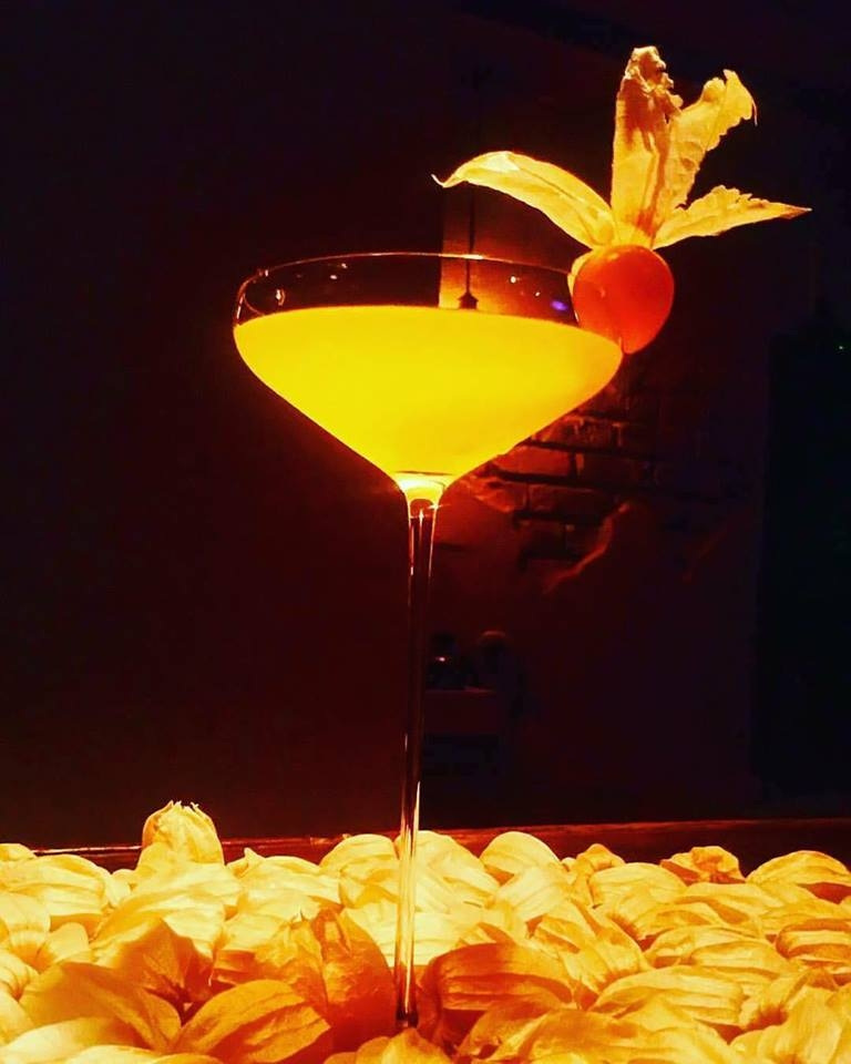 Golden Berries Cocktail